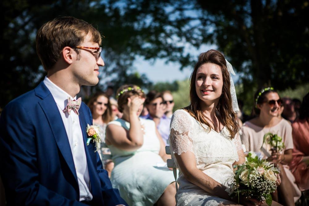 Photographe de mariage a aix en provence reportage naturel sur le vif - Salon du mariage aix en provence ...